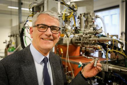 Prof. Guy Marin